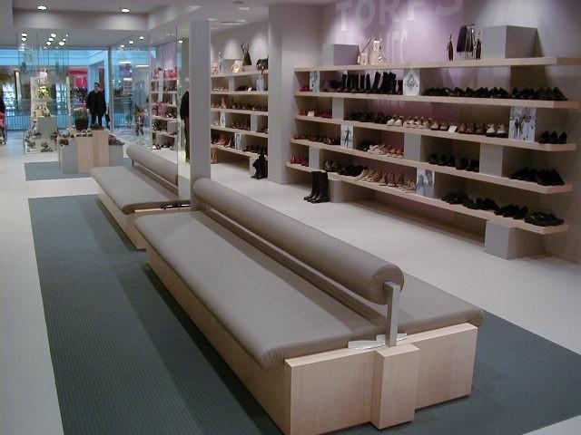 Schoenenwinkel interieur herman thijs interieurbouw for Interieur winkel antwerpen